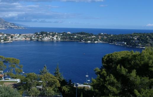 Bientôt: Vue panoramique azuréenne
